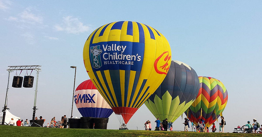 Cheers Balloon with Banner for Valley Children's Healthcare - © Cheers Over California, Inc